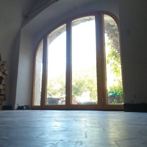 Menuiserie courbés en anse de panier, fenêtre cintré menuiserie isolante double vitrage rénovation thermique